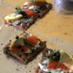 180px-Gravlax_on_crackers_with_pepper_and_lemon